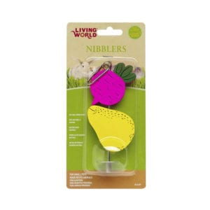 Living World Nibblers Wood Chew – Beet & Pear on Stick: (Item: 61477)